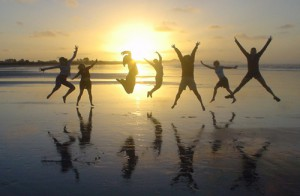 People jump in front of the sun to display that lightness they feel after their workshop.